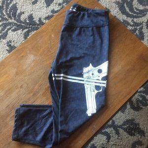 Carbon fiber gun strap leggings
